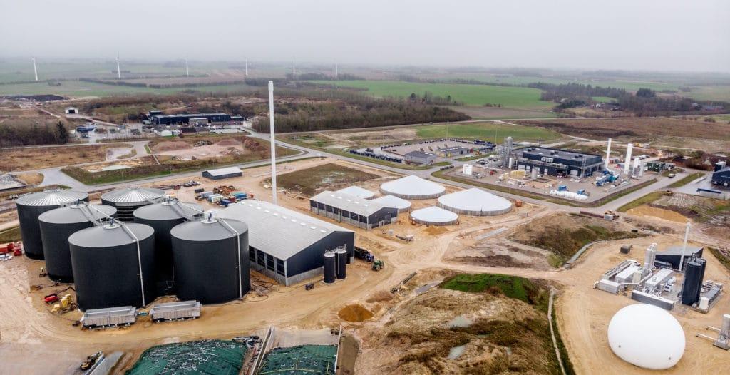Renewable hydrogen in an industrial ecosystem
